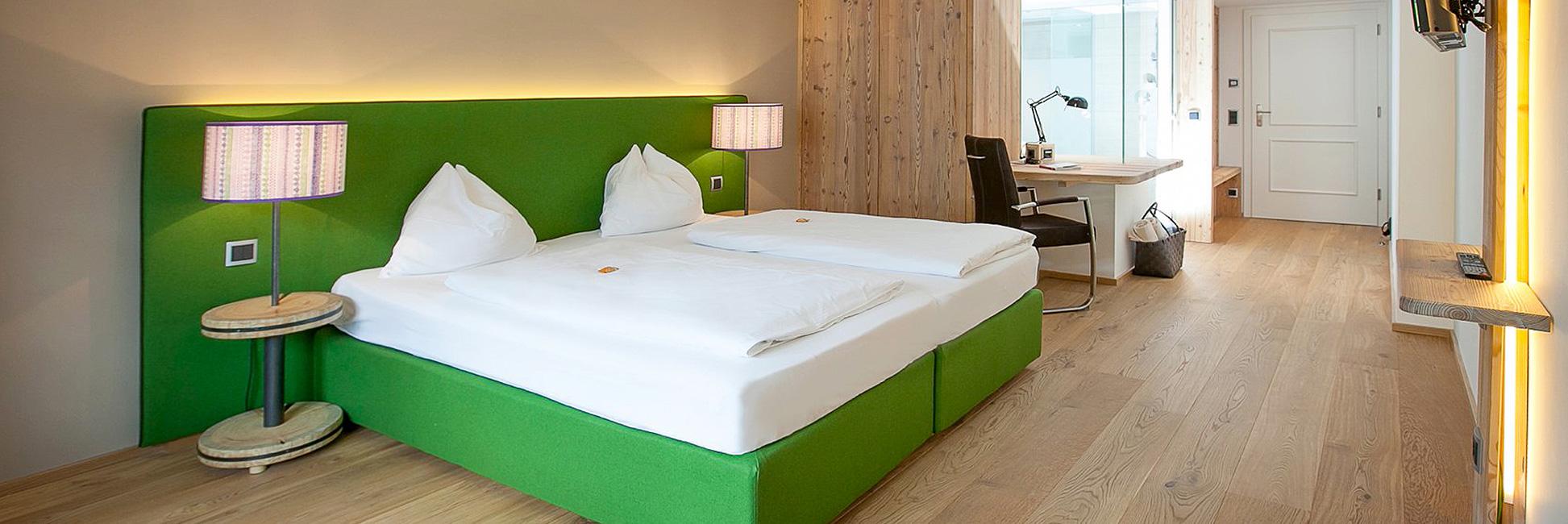Hotel Gasthof zur Post Zimmer Ambiente Weißwand