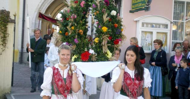 Hotel Gasthof zur Post Erntedankfest St. Gilgen