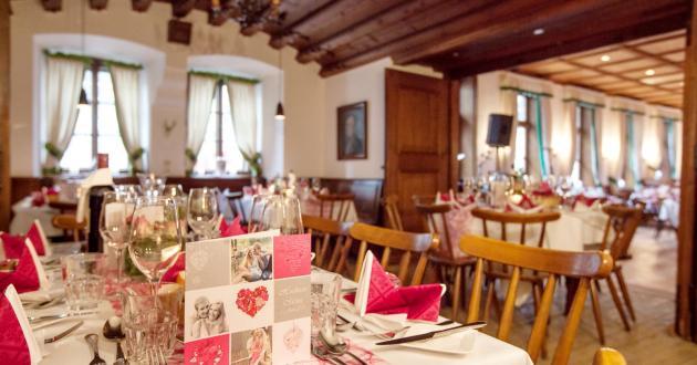 Hotel Gasthof zur Post Gaststube Hochzeitsfeier.